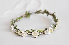 White and Green. So simple and so pretty flower crown. This beautiful crown is the perfect finishing touch for your outdoor garden weddinga, forest princess, beach wedding or festivals, bridal, birthday or garden parties. This crown is a breathtaking bridal accessory. Its made with