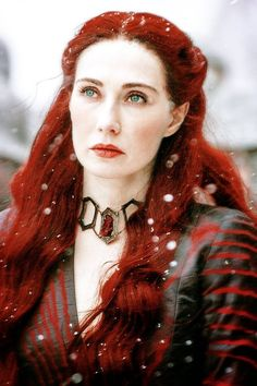 Game of Thrones Melisandre The Red Priestress (Carice Van Houten) Hottest Game Of Thrones, Game Of Thrones 5, Game Of Thrones Characters, A Dance With Dragons, Mother Of Dragons, Valar Morghulis, I Love Cinema, Mejores Series Tv, Game Of Throne Actors
