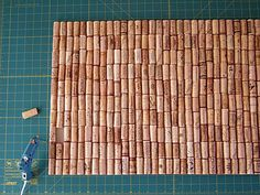 Glue the corks in the middle