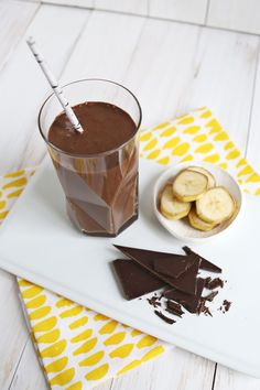 Healthy Chocolate Banana Shake (Dairy-Free  No Added Sugar!) abeautifulmess.com