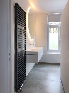 Tiz Design - Solid Surface, Hi-Macs en Corian Wastafels en Badmeubels. New Bathroom Designs, Bathroom Inspo, Bathroom Inspiration, Lavabo Corian, Modern Bathroom Lighting, Modern Bathroom Furniture, Contemporary Baths, Bad Inspiration, Bathroom Toilets