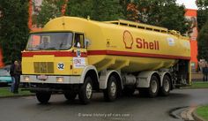 Cool Trucks, Big Trucks, Shell Oil Company, Shell Gas Station, Royal Dutch Shell, Fuel Truck, Old Lorries, Car Camper, Heavy Machinery