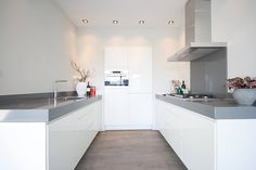 Woongold renovatie project Touch & Styling Interieur en Bouwbegeleiding Decor, Furniture, Kitchen Island, Home, Table, Home Renovation, Renovations, Kitchen Design