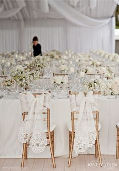 Whoa! How stunning is this white wedding reception?! Photo: Life Images via WedLuxe