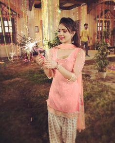 Diwali on the sets of nagarjun! Patiala Dress, Punjabi Salwar Suits, Punjabi Dress, Pakistani Dresses, Indian Dresses, Salwar Kameez, Indian Outfits, Sari Dress, Punjabi Fashion