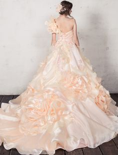 Yumi Katsura, Colored Wedding Gowns, Scarf Dress, Formal Dresses, Fashion, Vestidos, Short Stories, Beautiful Dresses, Nice Asses