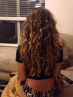 Caramel Highlights Curly Hair 1000 Ideas About Highlights Curly Hair On Wavy Hair, click now to see more. Curly Light Brown Hair, Colored Curly Hair, Long Curly Hair, Perms On Long Hair, Brown Hair Perm, Long Hair Cuts Wavy, Ombre Curly Hair, Thin Hair, Highlights Curly Hair