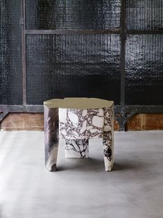 marble side table with brass top, by Vincenzo De Cotiis Table Furniture, Luxury Furniture, Furniture Design, Luxury Interior Design, Interior Decorating, Vincenzo De Cotiis, Home Bar Accessories, Terrazo, Low Tables