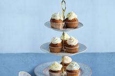 Κάπκεϊκ βανίλια - Συνταγές   γλυκές ιστορίες Mini Cupcakes, Desserts, Food, Tailgate Desserts, Deserts, Essen, Postres, Meals, Dessert