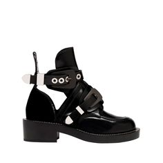 Balenciaga Unit Shoes Women Black - Discover the latest collection and buy online Women on the Official Online Store.