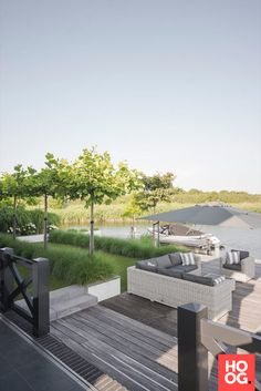 Buytengewoon - Villatuin Almere - Hoog ■ Without Wo . Buytengewoon – Villatuin Almere – Hoog ■ Without living and garden inspiration. Small Yard Landscaping, Backyard Ideas For Small Yards, Outdoor Sheds, Outdoor Gardens, Pergola, Garden Landscape Design, Contemporary Landscape, Cool Landscapes, Garden Styles