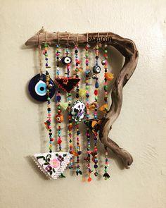 Nazarlık, driftwood, amulet, gargalak, ig:_esencan - DIY et Bricolage Diy Craft Projects, Diy Crafts For Kids, Rock Crafts, Arts And Crafts, Carillons Diy, Bunting, Diy Wind Chimes, Beach Crafts, Driftwood Art