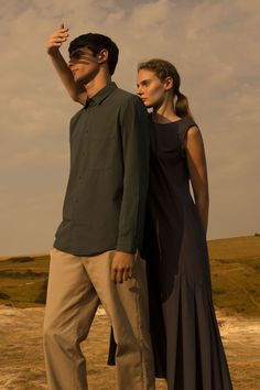 Creative couple fashion photography outfits ideas to make best photoshoot - Bong Pret Couple Photography Poses, Creative Photography, Film Photography, Editorial Photography, People Photography, Burns Photography, Famous Photography, Photography Outfits, Minimal Photography