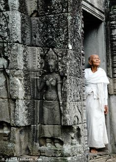 *Buddhist Nun - Angkor Wat, Cambodia (Touch of Color) Angkor Wat, Angkor Vat, Laos, Vietnam, Phnom Penh, People Around The World, Around The Worlds, Buddhist Nun, Temples