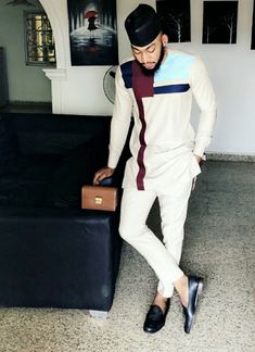 Mode Africaine pour les hommes African Shirts For Men, African Dresses Men, African Attire For Men, African Clothing For Men, African Wear, Nigerian Men Fashion, African Men Fashion, Africa Fashion, Mens Fashion Online