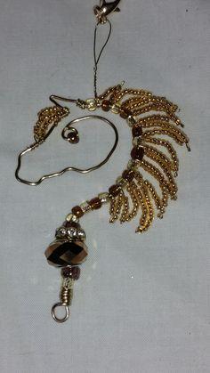 Diy Jewelry, Beaded Jewelry, Jewlery, Handmade Jewelry, Jewelry Design, Jewelry Making, Beaded Bracelets, Horse Hair Jewelry, Shoe Crafts