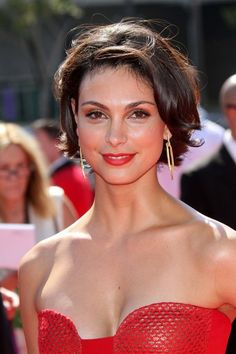 Super Cute Short Hair - Morena Baccarin  (I just got about a foot of hair cut off!! This is the cut and I love it!!!)