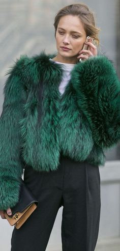 Holiday Party Dressing: A Statement Coat // YES, PLEASE!