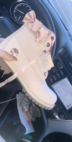 Timberland Boots - Timberland Boots - The bow is what Set's it off! Mode Timberland, Custom Timberland Boots, Sneakers Fashion, Fashion Shoes, Nike Shoes, Shoes Sneakers, Sneaker Heels, Women's Shoes, Sheepskin Boots