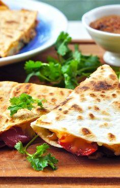 Low FODMAP and Gluten Free Recipe - Vegetable quesadilla - http://www.ibssano.com/low_fodsmp_recipe_vegetbale_quesadilla.html