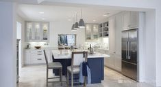 This L Shaped kitchen is functional and simplistic. Featuring a bold kitchen island in gorgeous blue hues, adding to the sophistication of the family room. L Shaped Kitchen Extension, Kitchen Extension Layout, New Kitchen, Kitchen Decor, Kitchen Ideas, Layout Design, Plain English Kitchen, L Shaped Kitchen Designs, Top Furniture Stores