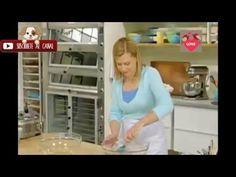 Mini Panquecitos de Chocolate y Avellanas Anna Olson - YouTube