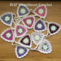 rafsweetheart Morning lovelies! I haven't had chance to crochet for a week  so I'm sharing a make from last year. Love this pattern from @crochetgirl99  it's just the type of bunting I love! I added the bit of edging too. Have a great week  #crochet #crochetaddict #Monday #makersgonnamake #craft #instagood #instacrochet #garland #crochetbunting #flowers #rafsweetheart