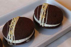 Tarun Taikakakut: Whoopies-Leivosten Ohje + Täytteitä Tiramisu, Cookies, Cake, Ethnic Recipes, Desserts, Crack Crackers, Tailgate Desserts, Deserts, Biscuits