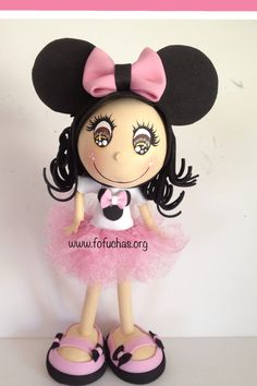 Fofucha Doll with Minnie Mouse ears. She is handmade using foam sheets. Her tutu is made with pink glittery tulle. She is 10 imches tall. Ready to go to it's new home. She would ve a great decoration to any little girls room. She can also be used as a centerpiece or caketopper.  Face is handpainted. I can also customize her  *change hair color *eye color  *skin color  *tutu color to order visit fofuchas.org or stop by facebook.com/fofuchashandmadedolls #MinnieMouse #FoamDoll #Fofuchas…
