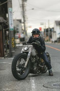 RocketGarage - Cafe Racer Magazine