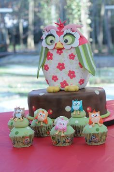 Torta Buho  Cupcakes por Marcela Capo  para Celebraciones en Familia