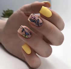 118 creative ways update you mani with yellow flowers nail art – page 36 Dream Nails, Love Nails, Perfect Nails, Gorgeous Nails, Stylish Nails, Trendy Nails, Nagellack Design, Minimalist Nails, Best Acrylic Nails