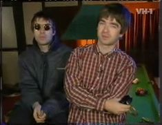 (over)enthusiastic about the gallagher brothers & the britpop era & british bands etc etc also memes xoxoxoabout me Gene Gallagher, Lennon Gallagher, Liam Gallagher Oasis, Meg Matthews, Liam And Noel, Oasis Band, Britpop, Best Rock, Lyrics