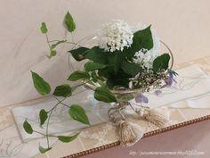 フラワーアレンジメント-flower arrangement***「Chez Mimosa シェ ミモザ」   ~Tassel&Fringe&Soft furnishingのある暮らし  ~   フランスやイタリアのタッセル・フリンジ・  ファブリック・小家具などのソフトファニッシングで  、暮らしを彩りましょう     http://passamaneriavermeer.blog80.fc2.com/