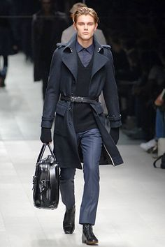 Burberry Prorsum Fall 2007 Menswear Collection Slideshow on Style.com