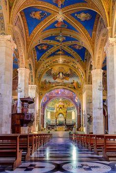 Duomo di Sant'Emidio in Arringo plaza, Ascoli Piceno, Le Marche