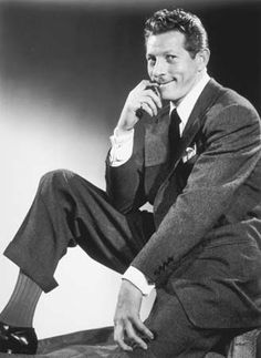 When I was a little girl, I just loved Danny Kaye.  Whenever my parents had his show on, I was thrilled and remember laughing and laughing.
