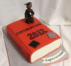 Graduation Book Cake med