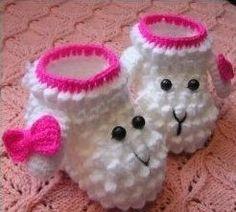 My Hobby Is Crochet: Lamb Crochet Bobble Booties Free Pattern Crochet Bobble, Knit Or Crochet, Cute Crochet, Crochet Crafts, Crochet Projects, Baby Girl Crochet, Crochet Baby Clothes, Crochet Baby Shoes, Booties Crochet