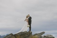 Queenstown Wedding Photographer Helicopter Wedding. Photography by Alpine Image Company