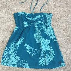 BOGO Roxy Teal Halter Lovely like new Roxy teal halter top. The front can be scrunched more or less and the neck straps can just be tied in a bow. Yay fully adjustable! Really love this top but unfortunately never have anywhere to wear it. 100% polyester. Size medium. Roxy Tops Blouses