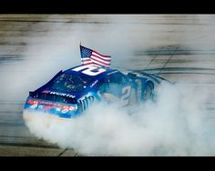 keselowski doing his burnout after winning Talladega !!! First win for @Dodge at Talladega in 30+ yrs