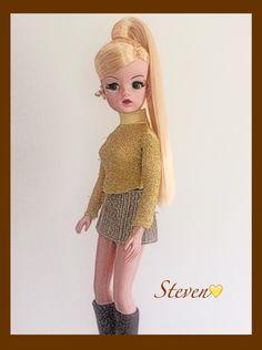 Sindy doll golden girl