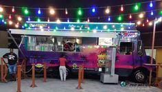 Streetfood curacao. Heerlijk eten bij een Trukkípan. Benieuwd naar meer tips? lees de blog Willemstad, Meet, Tips, Blog, Fun, Travel, Viajes, Blogging, Destinations