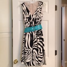 Dress Top to bottom is 37.5 inches, 97% cotton/3% spandex, Fully lined, Color is black & off white, Has pockets! Kay Unger Dresses
