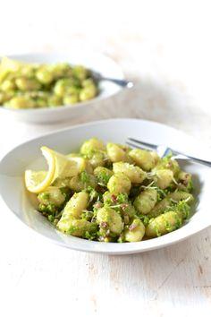 Sweet Peas Pesto & Gnocchi   TheNoshery.com - @thenoshery