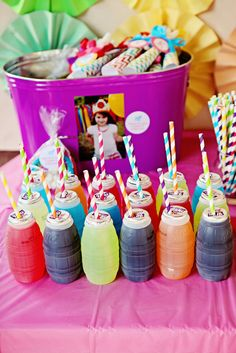 My little pony birthday ideas - Shopkins Party Ideas Rainbow Dash Party, Rainbow Dash Birthday, Rainbow Parties, Rainbow Drinks, Rainbow Party Decorations, Colorful Drinks, Rainbow Theme, Halloween Decorations, Trolls Birthday Party