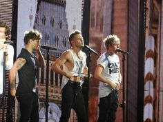 Liam just take the dang shirt off already!!