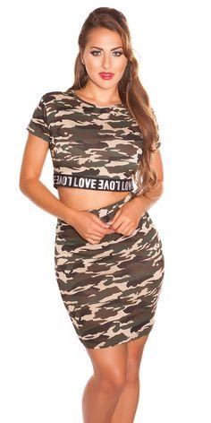 Dámský set se skládá z krátkého trička a sukně. Tričko s krátkými rukávy, sukně elastická zakončena do gumy.