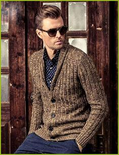 36 Fabulous Men's Cardigan Outfit To Copy Now - Men's Fashion Ideas , Men's Fashion, Mens Fashion 2018, Preppy Mens Fashion, Men Fashion Show, Mens Fashion Suits, Fashion Ideas, Fashion Vintage, Fashion Trends, Cardigan Outfits